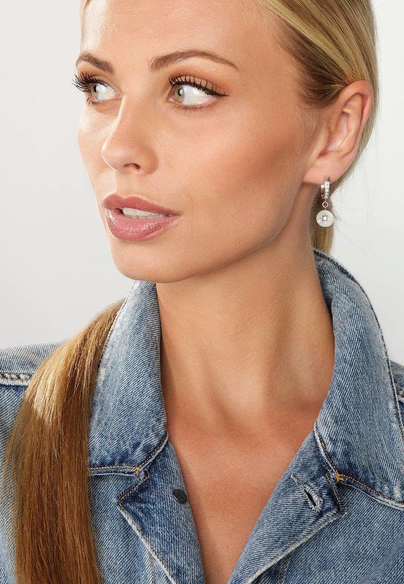 Guess - WANDERLUST - Earrings - silber