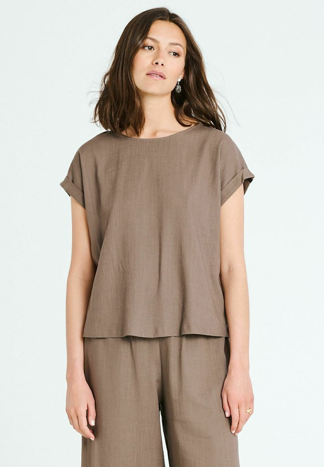 BOSTON - Blouse - brown