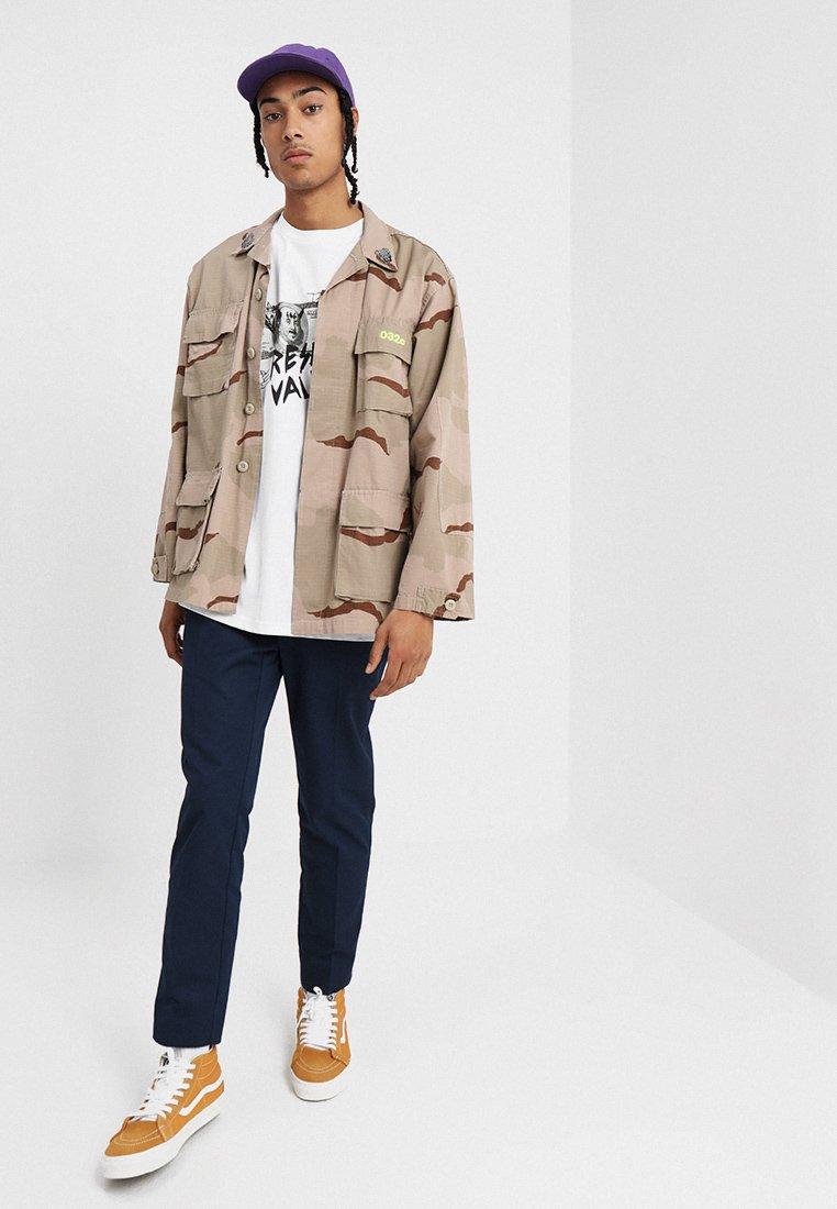 WeSC MASON RESELL VALUE T shirts med print white