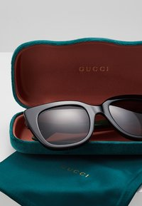 Gucci - 30001723003 - Sunglasses - black/grey - 2