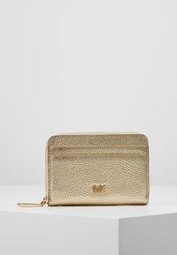 MICHAEL Michael Kors - Wallet - pale gold-coloured - 0
