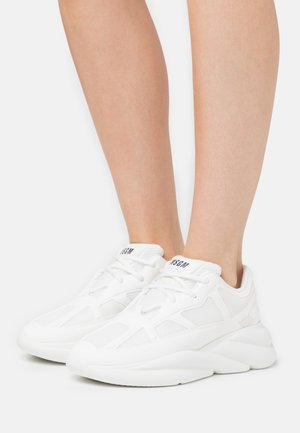 SCARPA DONNA WOMAN'S SHOES - Matalavartiset tennarit - white