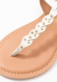New Look Wide Fit - WIDE FIT GINA - T-bar sandals - offwhite - 2