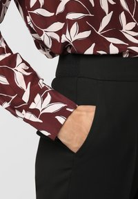 s.Oliver BLACK LABEL - Trousers - schwarz - 2