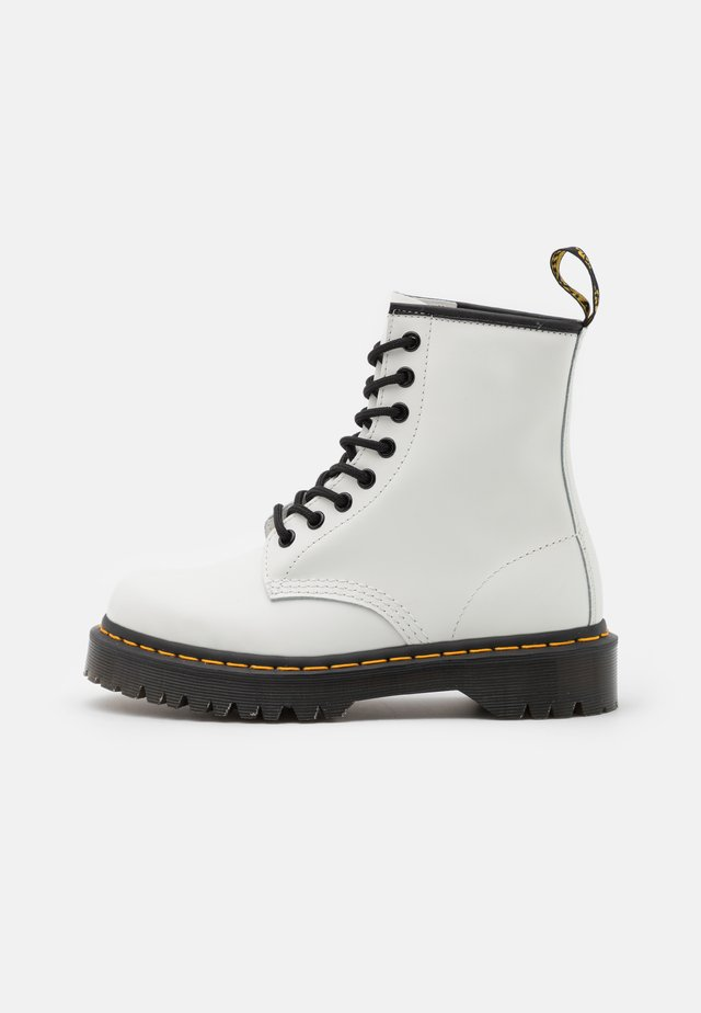 1460 BEX 8 EYE BOOT UNISEX - Lace-up ankle boots - white smooth