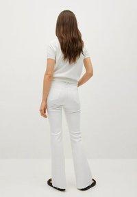 Mango - FLARE - Flared Jeans - white - 2