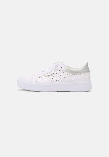 KELLI - Trainers - white/silver