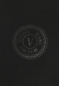 Versace Jeans Couture - PLAIN  - Polo - black - 6