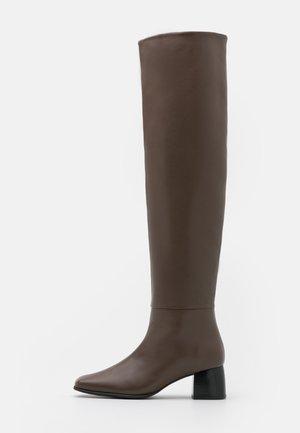 CAMILLE HIGH BOOT - Høye støvler - grey taupe