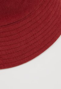 Object - Cappello - port royale - 5