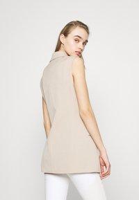 ONLY - ONLIVY WAISTCOAT  - Waistcoat - beige - 2