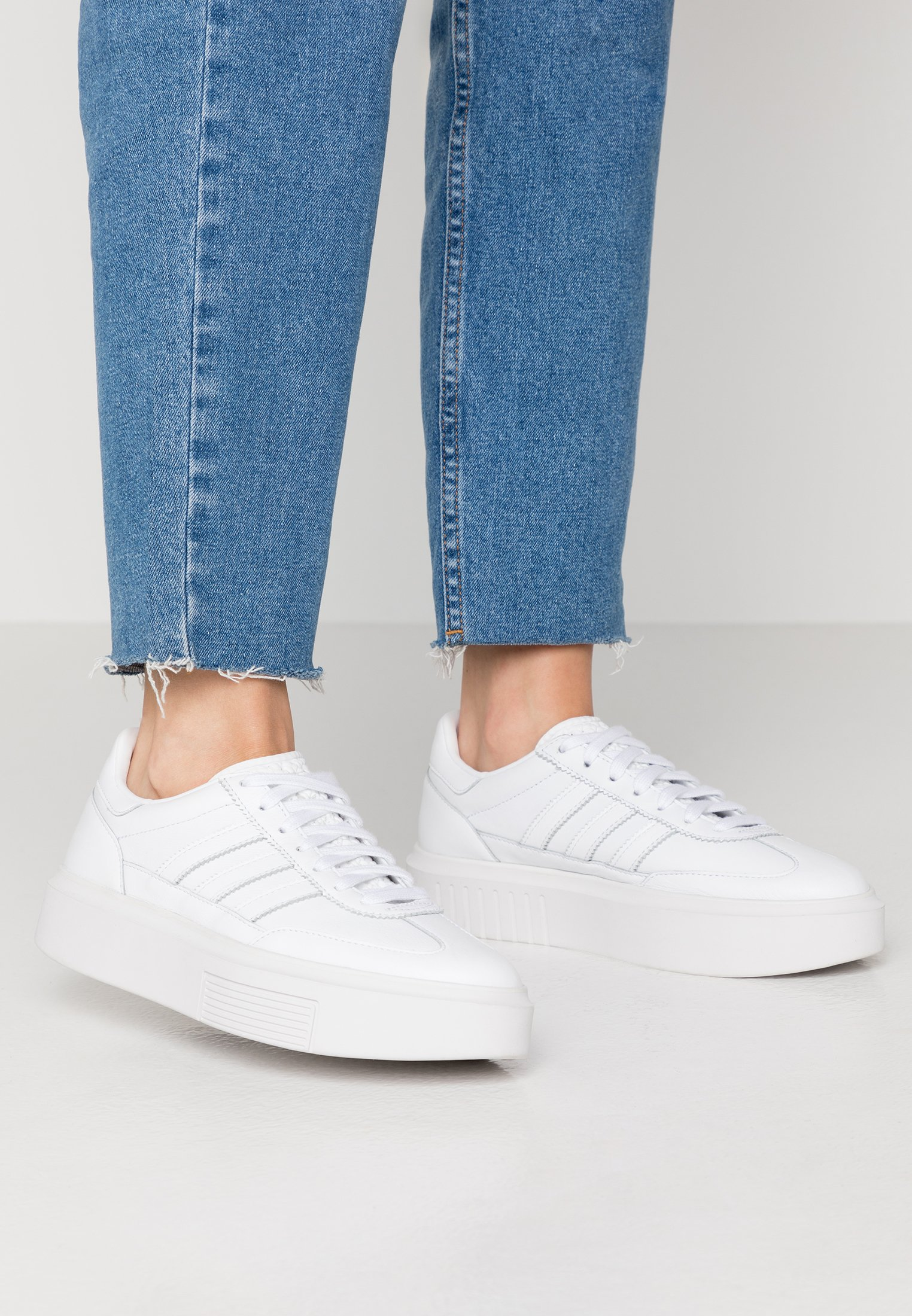Muerto en el mundo candidato Oriental  adidas Originals SLEEK SUPER 72 - Trainers - footwear white/crystal white -  Zalando.co.uk