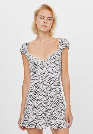 MIT PRINT UND VOLANTS - Day dress - white