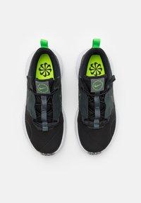 Nike Sportswear - CRATER IMPACT UNISEX - Zapatillas - black/iron grey/off noir/dark smoke grey/mean green/white - 3