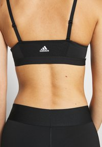 adidas Performance - AM 3S BRA - Sport BH - black/white