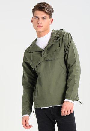 VEGA PULLOVER COLUMBIA - Summer jacket - rover green