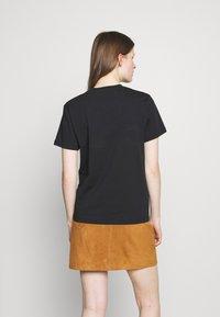 Alexa Chung - ALEXA BOXY TEE - T-Shirt print - black - 2