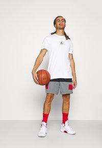 Jordan - DRY AIR - T-shirt basic - white/black - 1