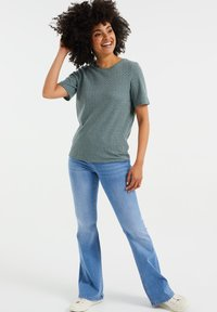 WE Fashion - Basic T-shirt - moss green - 1
