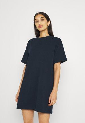 PCCHILLI SUMMER DRESS - Žerzejové šaty - navy blazer