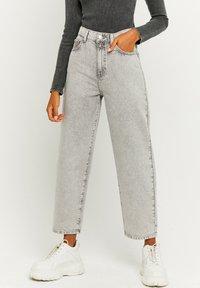 TALLY WEiJL - Straight leg jeans - grey denim - 0