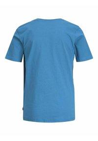 Jack & Jones Junior - T-shirt med print - deep water - 6