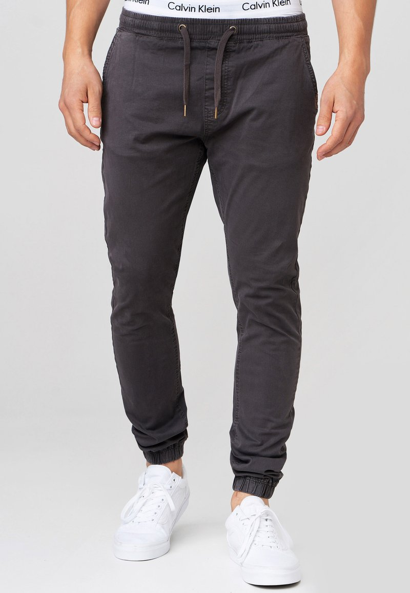 INDICODE JEANS - FIELDS - Trousers - raven