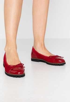 Ballet pumps - rubin cherry/cognac