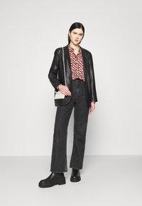 Vero Moda - VMCISSY  - Button-down blouse - chutney - 1