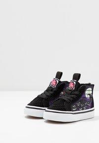 Vans - NIGHTMARE BEFORE CHRISTMAS SK8 - Sneakers hoog - black - 2