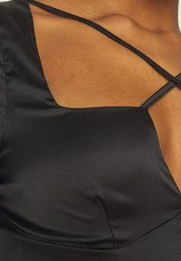 Missguided - CROSS STRAP LONG SLEEVE CROP - Top sdlouhým rukávem - black - 4