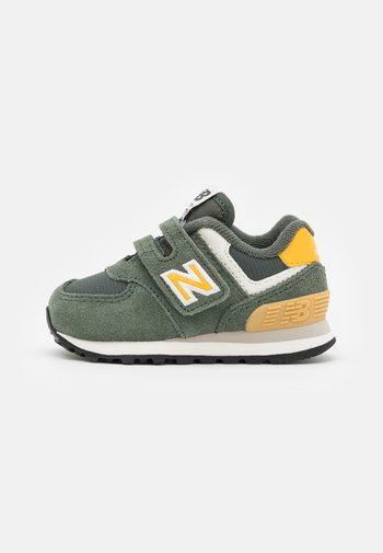 IV574MP2 - Sneakers laag - green