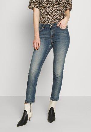 FIVE-POCKET - Skinny džíny - medium blue