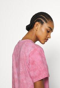 Ellesse - NEWHAY - Print T-shirt - pink - 4
