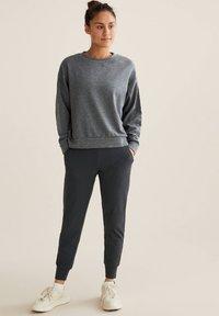 OYSHO - Pantalon classique - grey - 1