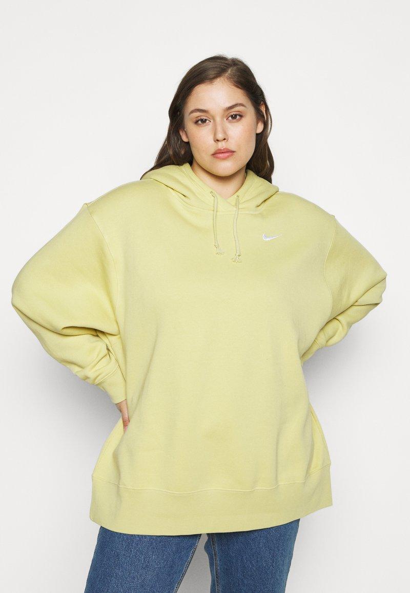 Nike Sportswear - HOODIE TREND - Hoodie - tea tree mist/white