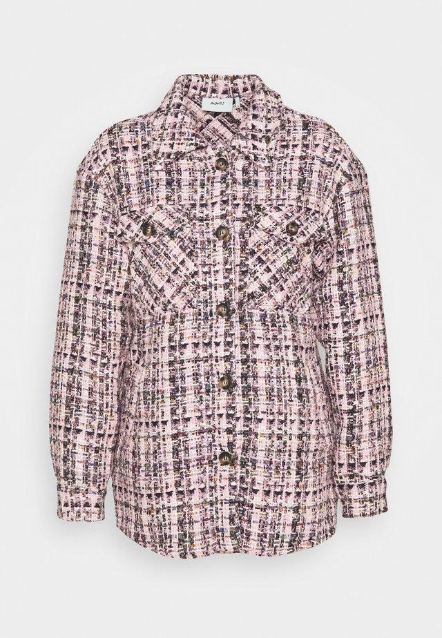 SUSTI - Krátký kabát - candy pink