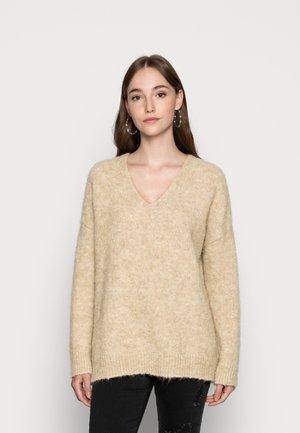 FAWINI - Stickad tröja - camel