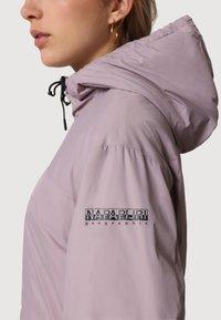 Napapijri - A-CIRCULAR SHORT - Light jacket - sea fog pink - 4
