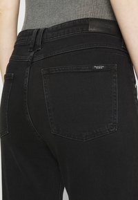 Marc O'Polo DENIM - FREJA BOYFRIEND - Slim fit jeans - black - 4
