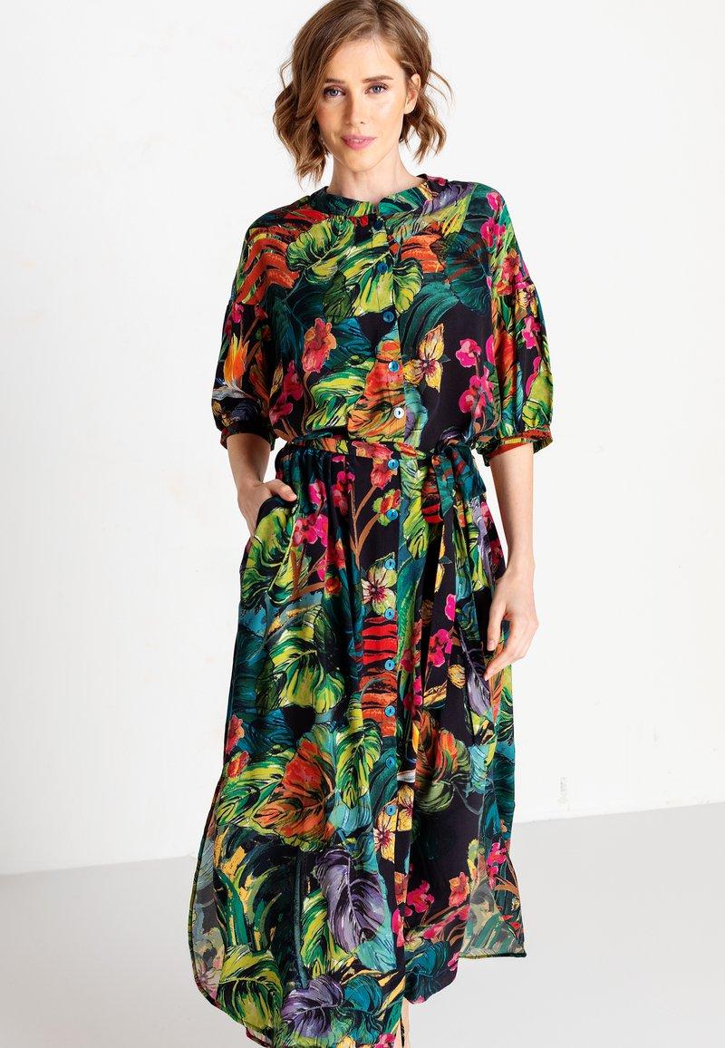 Ivko - TROPICAL MOTIF - Shirt dress - amazonas