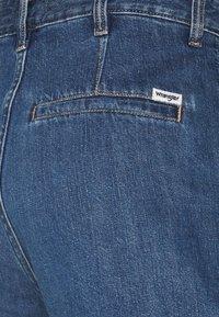 Wrangler - MOM - Shorts di jeans - lake side - 2