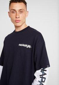 Napapijri The Tribe - SOLT - Langærmede T-shirts - blu emarine - 3