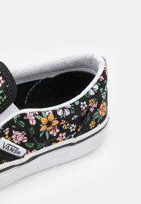 Vans - CLASSIC - Sneakers laag - black/true white - 5