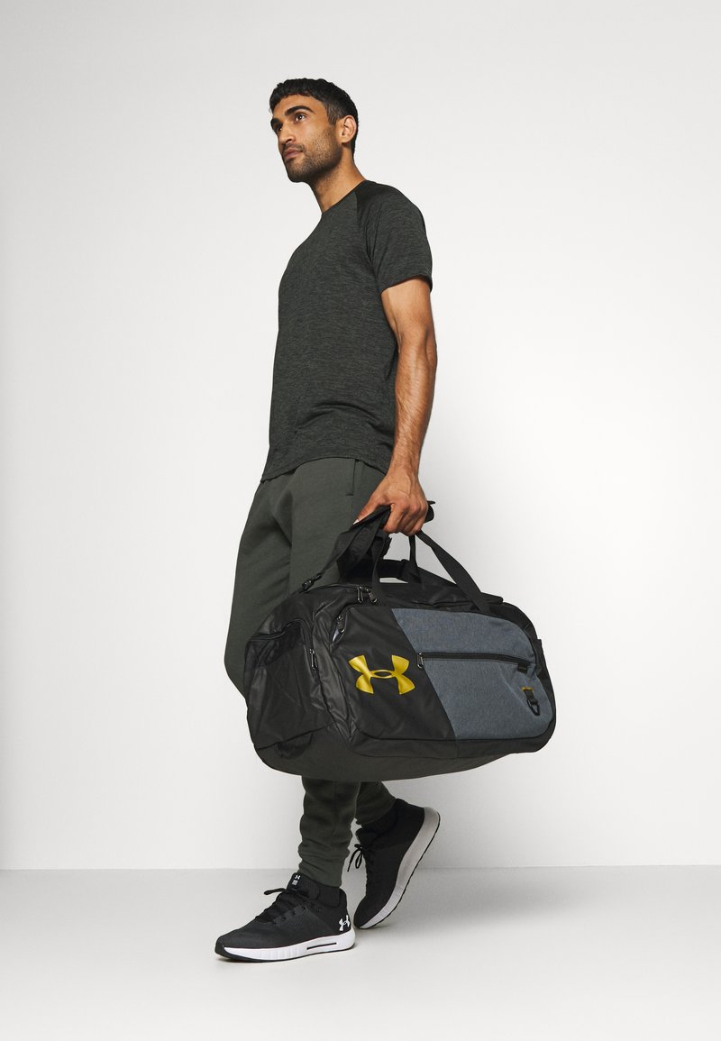 Under Armour - UNDENIABLE DUFFLE - Sportstasker - black