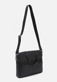 Calvin Klein - MINIMALISM SLIM LAPTOP BAG - Taška na laptop - black - 1
