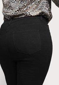 CAPSULE by Simply Be - LUCY HIGH WAIST SKINNY - Skinny džíny - black - 3
