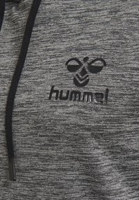 Hummel - HMLSELBY - Bluza z kapturem - dark grey melange - 2