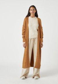 PULL&BEAR - Kardigan - mottled brown - 0