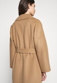 WEEKEND MaxMara - Zimní kabát - kamel - 4